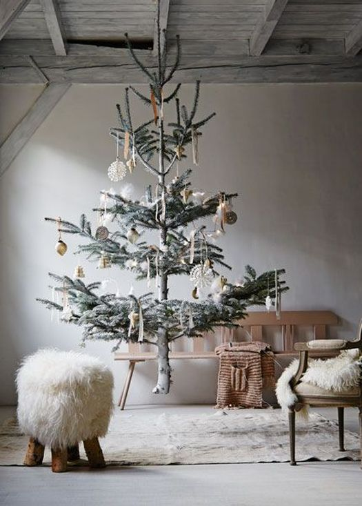 Sheepskin-nooks-and-tree1