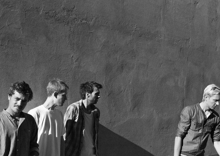 Listen: When Saints Go Machine x Shlohmo – Kelly