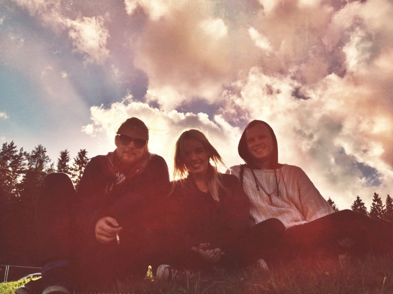 Listen: Postiljonen – Wait