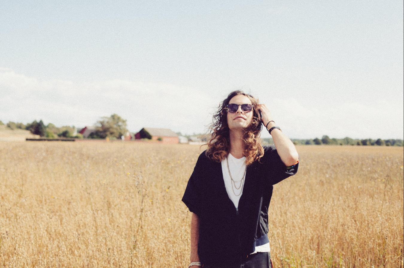 Listen : Summer Heart –  Nothing Can Stop Us Now