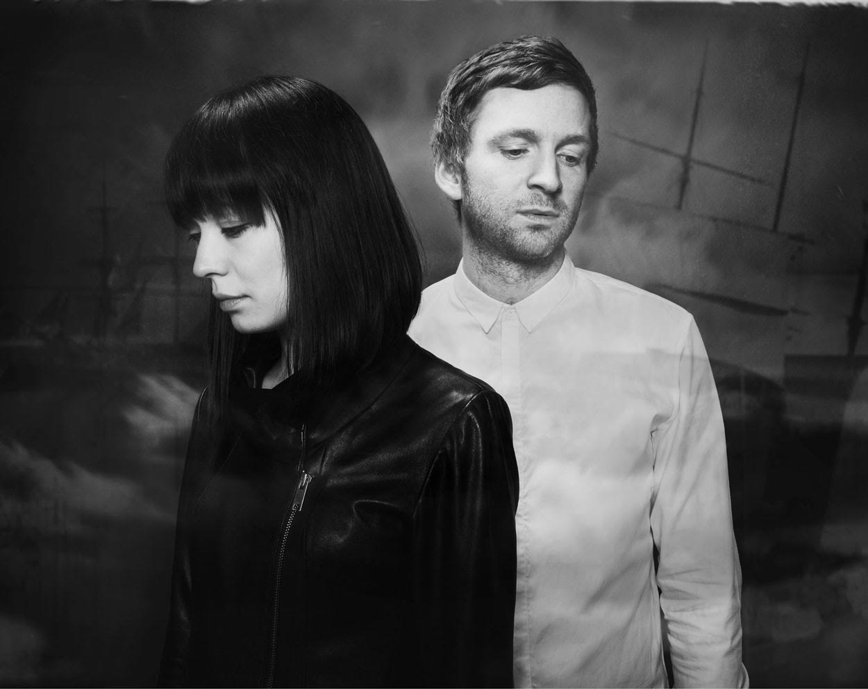Watch : Ólafur Arnalds & Alice Sara Ott – Eyes Shut