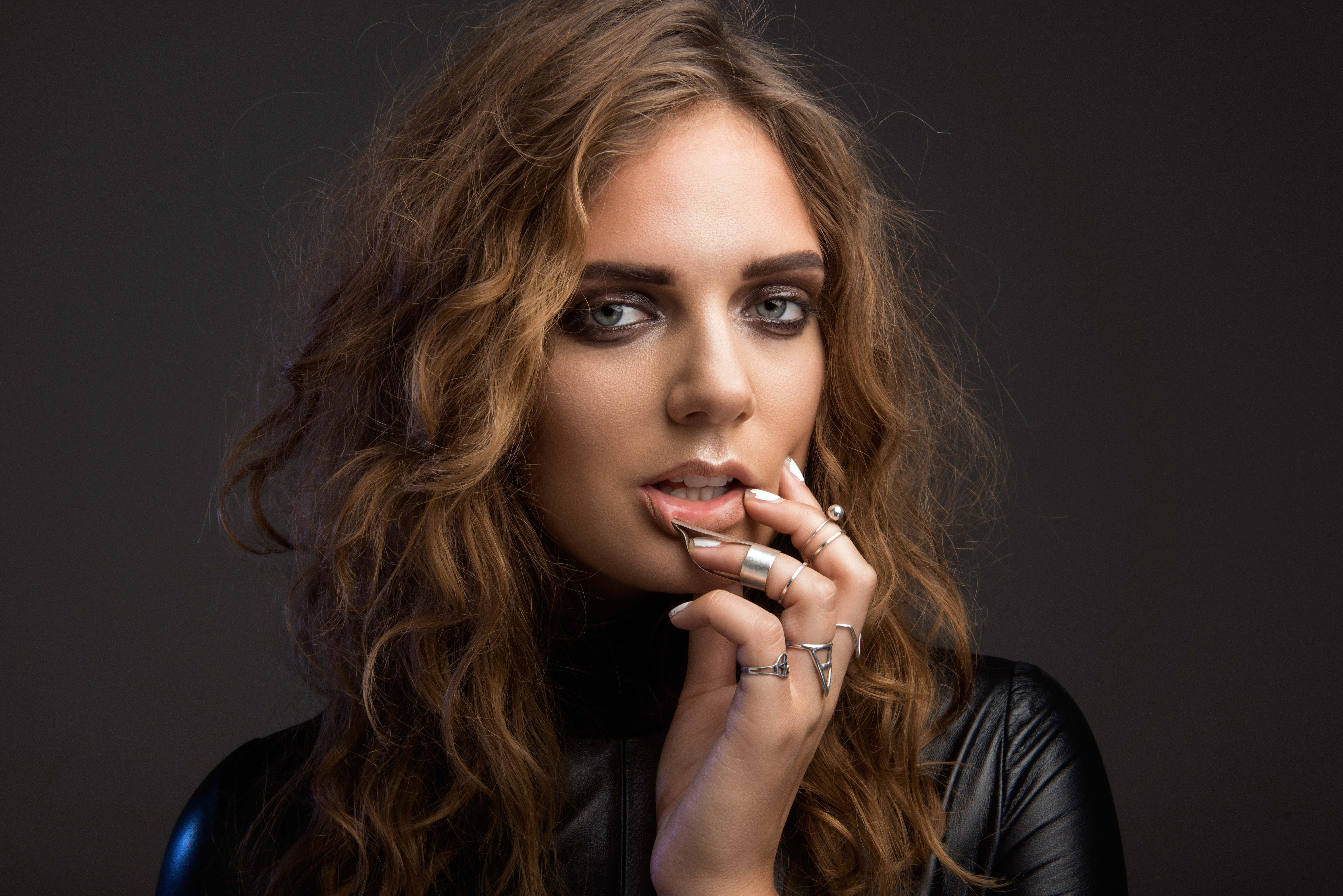 Listen: Tove Lo – Influence