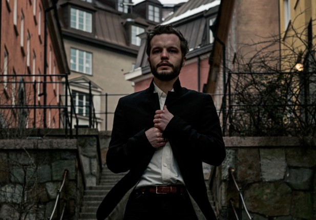 Watch: The Tallest Man On Earth – Darkness of the Dream