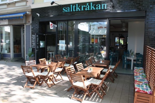 Ja Ja Ja gets to know Hamburg's Saltkråken Café!