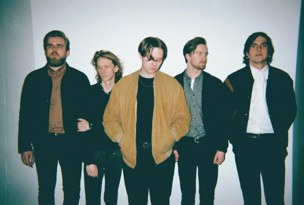 Listen: commonplace – Her Sultry Eyes