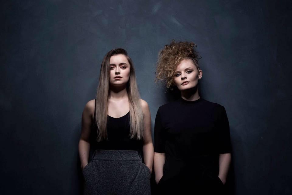 Listen: Elsa + Emilie – Au Volant