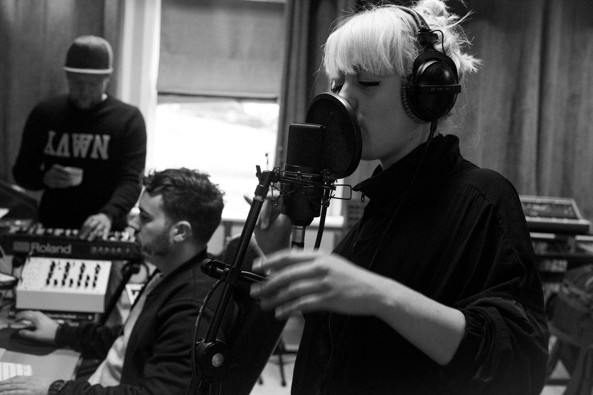 Listen: Atella & Frøder – Closer To Life