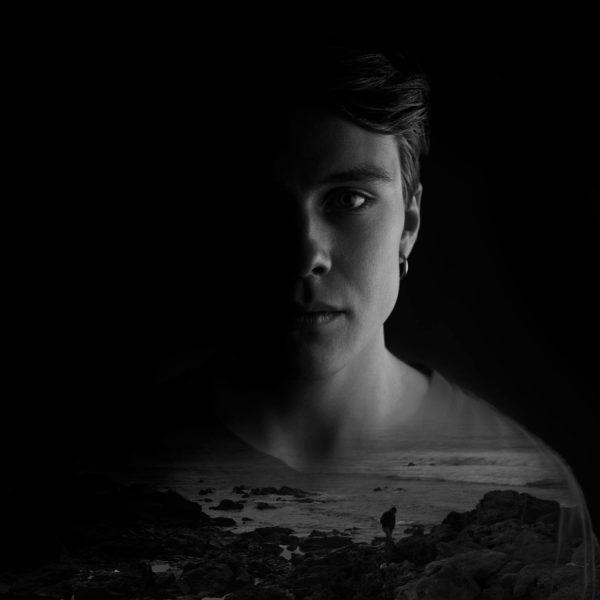 Listen: Erik Jonasson – Autumn Falls