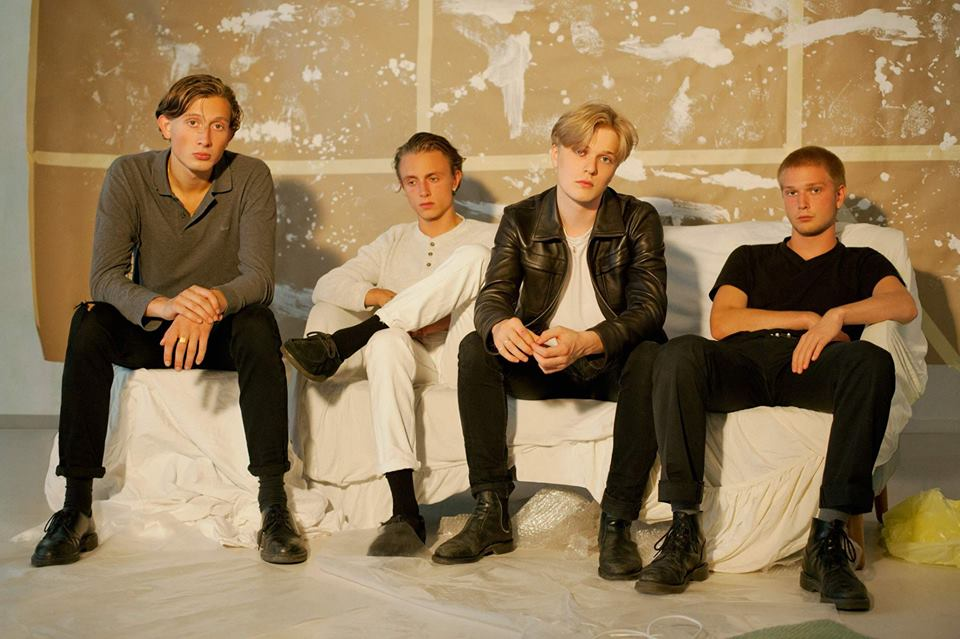 Watch: Communions – It's Like Air