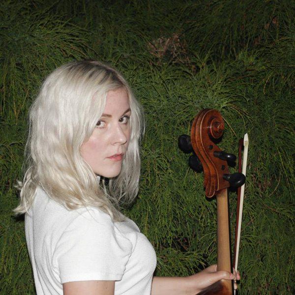 Listen: Linnea Olsson – Weekend