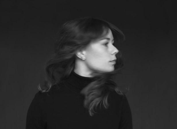 Listen: Julie Ellinor – Voyage