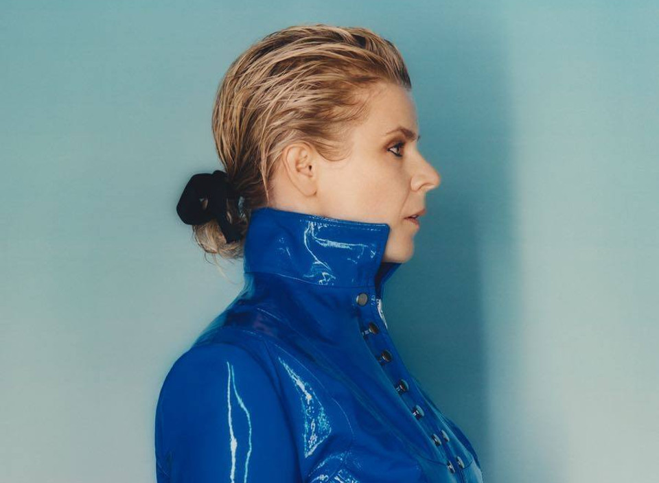 Watch: Robyn Live (ft. Missing U)
