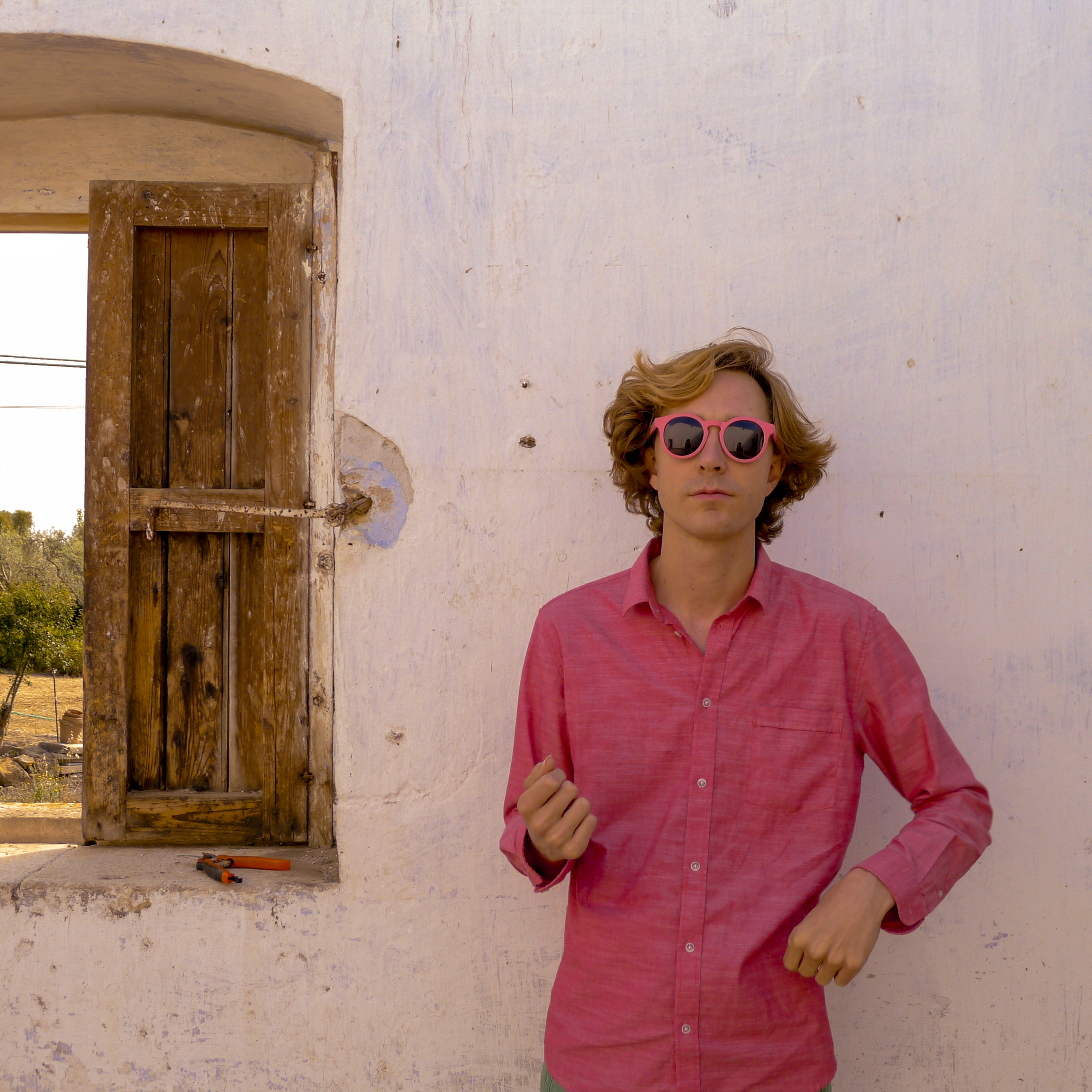 Erlend Øye reveals a special cover of The Smiths!