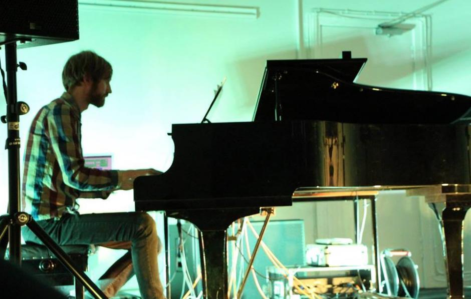 An Ode To Piano… with Mikael Lind