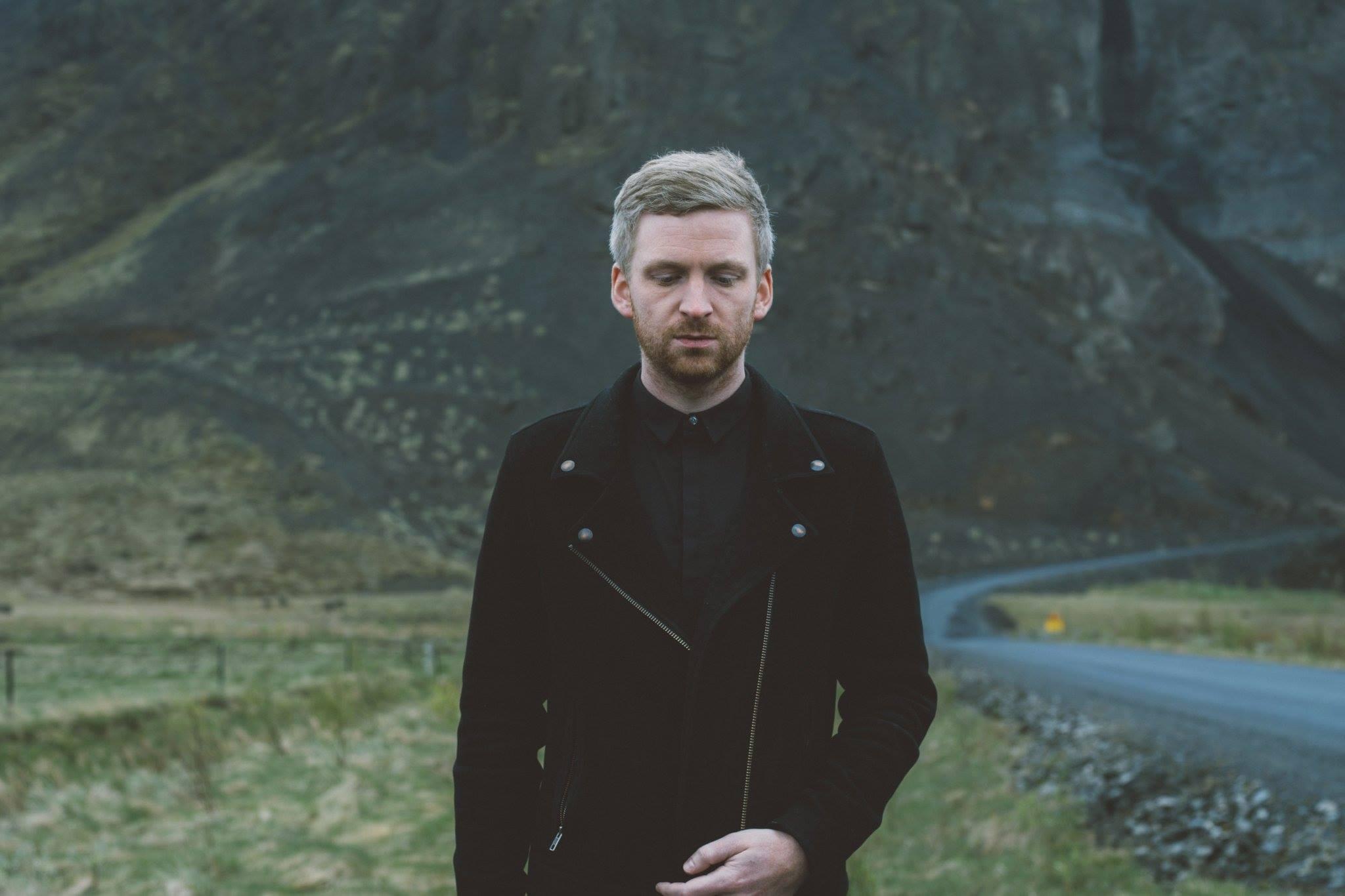 Ólafur Arnalds unveils Broadchurch score 'Take My Leave Of You'!