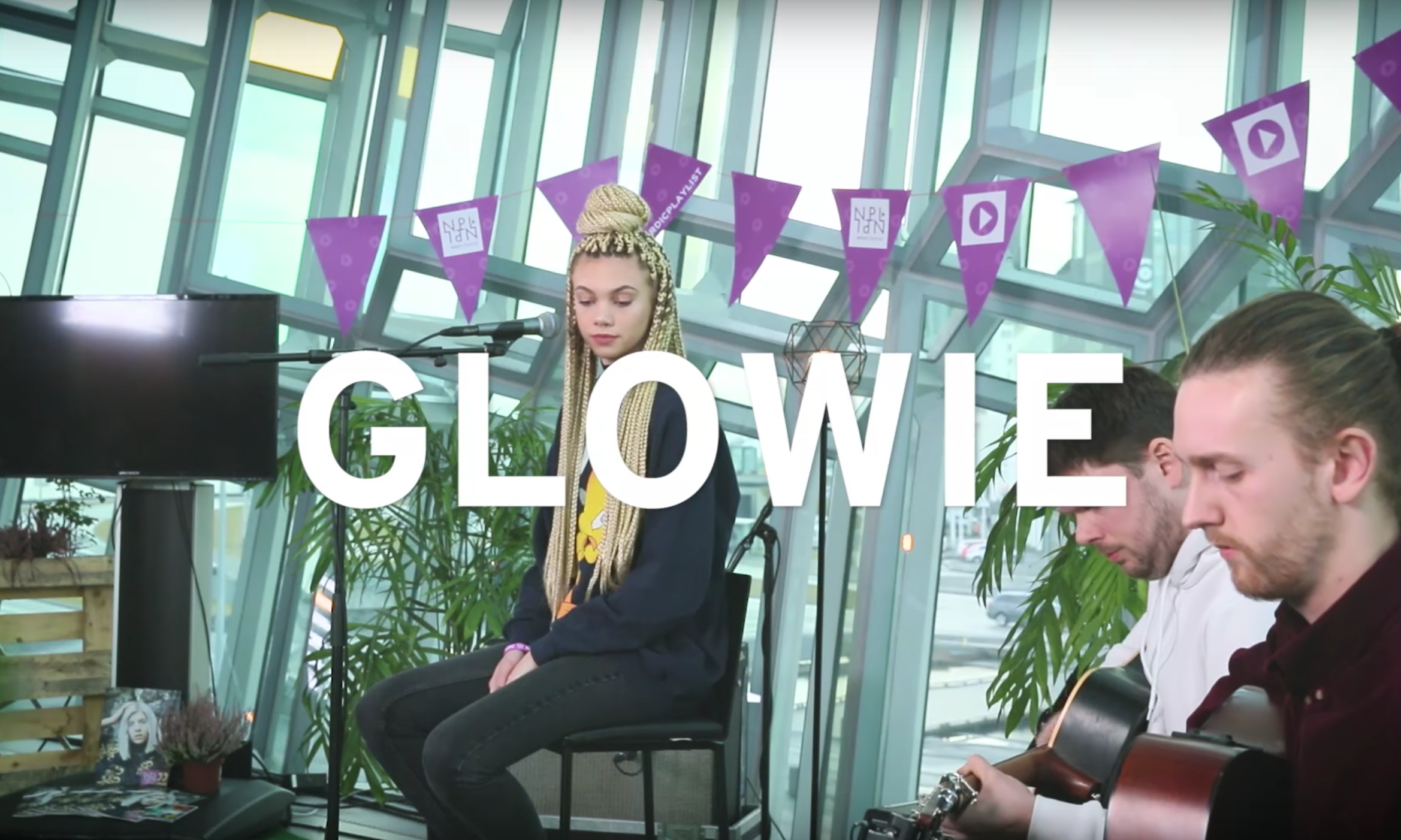 Glowie performs an acoustic version of 'One Day' for the Nordic Playlist!
