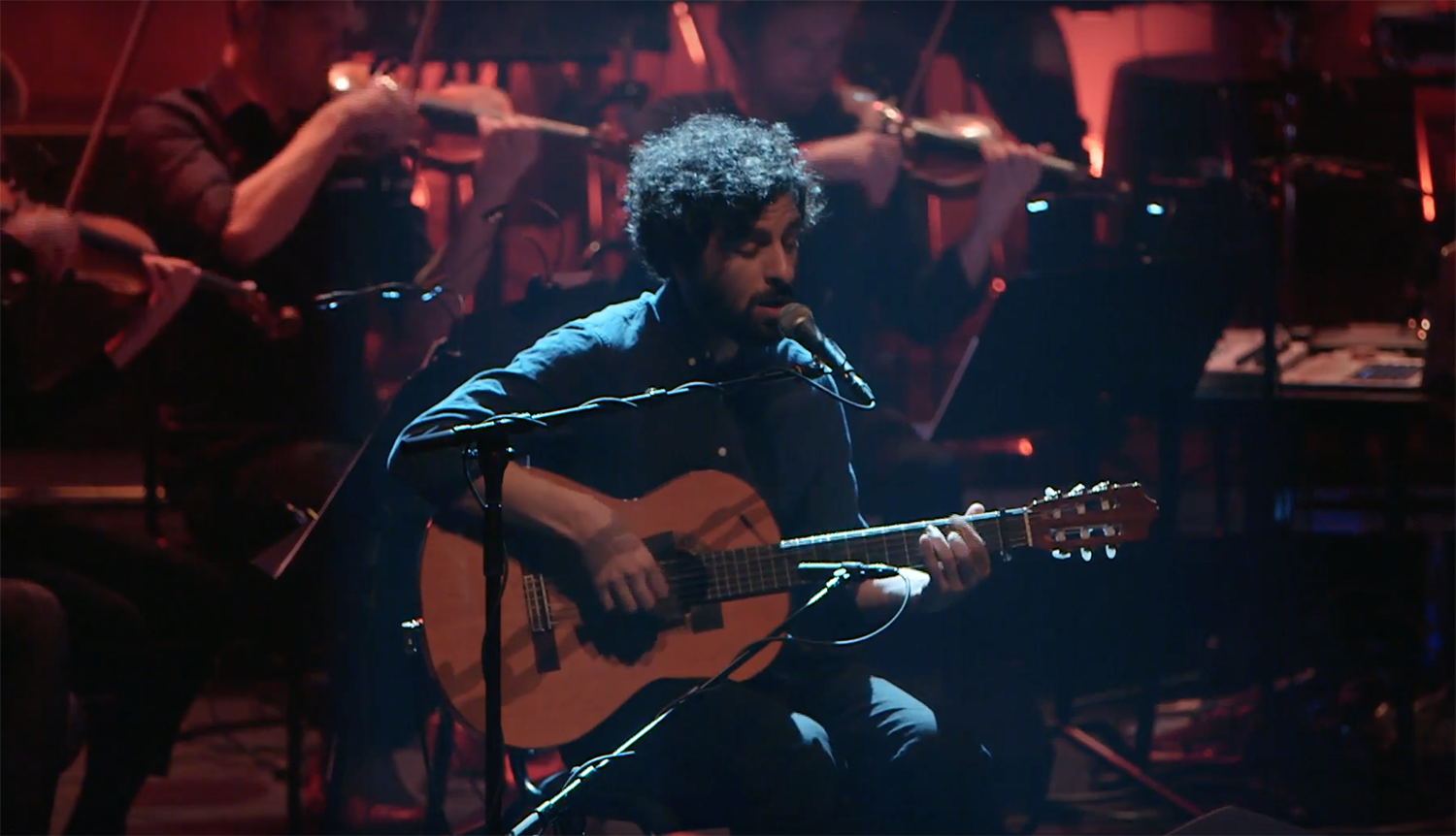Watch José González + The String Theory's concert at the Royal Festival Hall!
