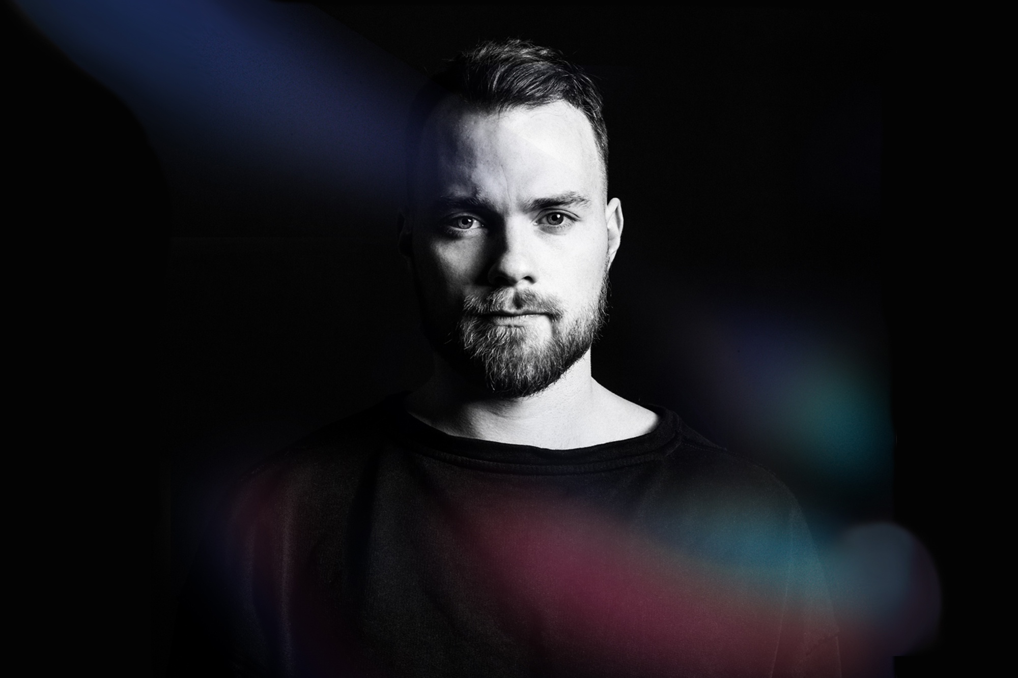 Ásgeir announces new album and shares the single 'Unbound'!