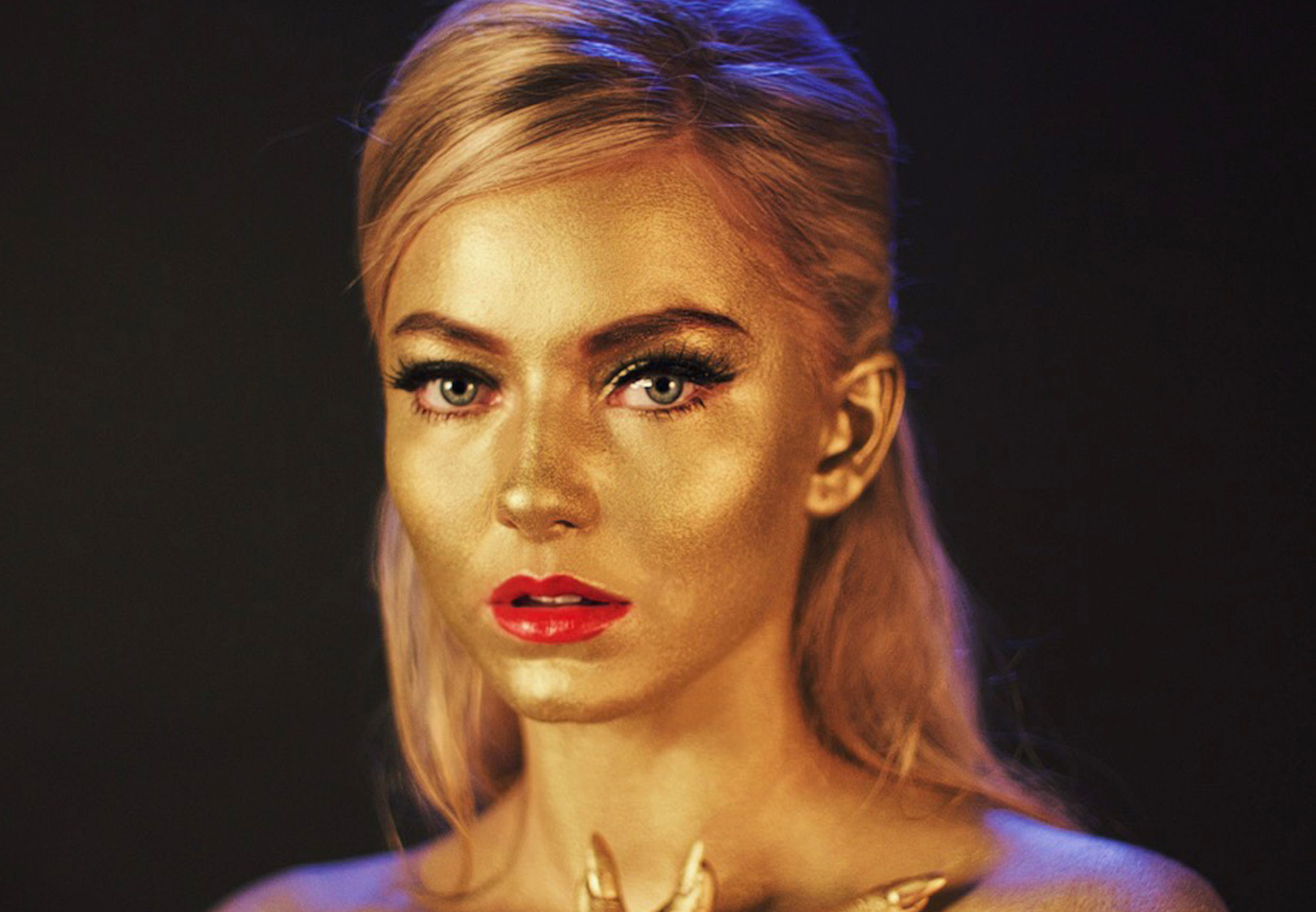 Astrid S offers up a spell-binding new track called 'Breathe'!