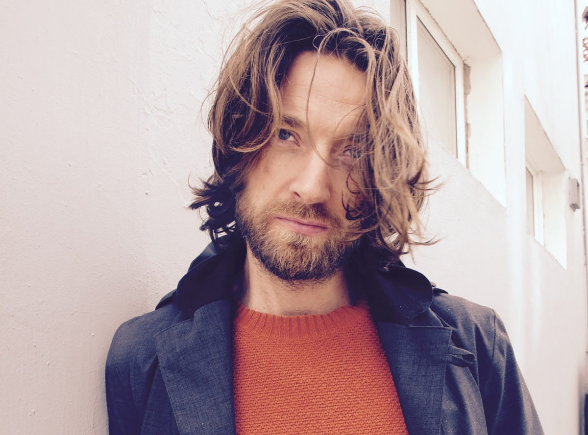 Kommode (AKA Eirik from Kings of Convenience) reveals a brand new single!